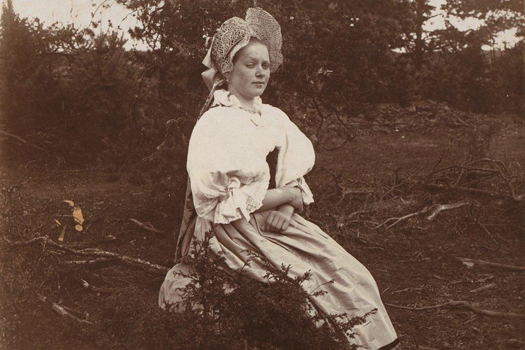 Кокошник: История «запретной женственности». Изображение № 1.