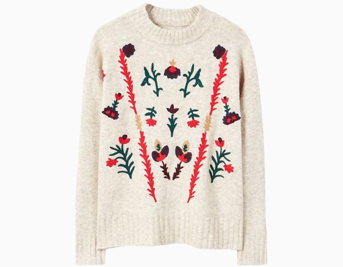 Тепло и уютно: 10 свитеров с щедрой скидкой. Изображение № 5.