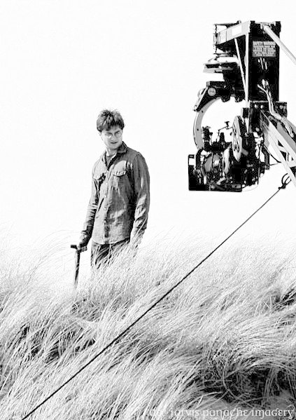 Дэниел Рэдклифф на съемках «Гарри Поттера» (фото: Dee Jarvis, Panache Imagery). Изображение № 1.